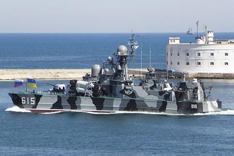 Севастополь насторожился: Украинский флот меняет окрас