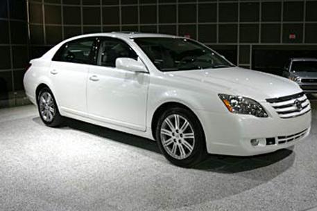 Toyota Avalon: 4 фото.