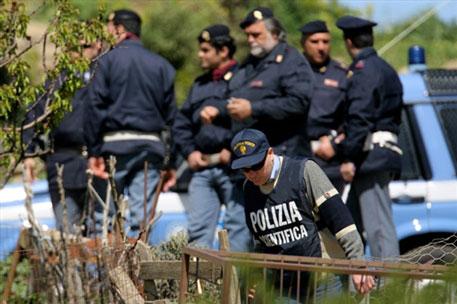 полицейские с Сицилии сразу же приступили к работе: они остановили в Кверчете 29-летнюю полячку