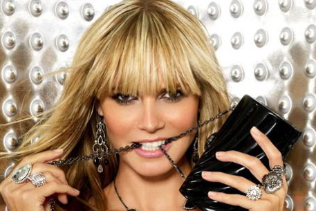 Модели 90 х годов фото интересное видео Victorias Secret Tyra Banks model...
