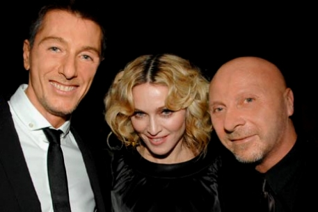 Стефано Габбана, Мадонна и Доменико Дольче.  Фото с сайта swide.com.