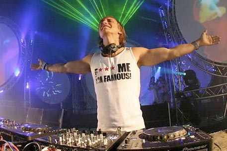 David Guetta. Фото с сайта djvibe.com