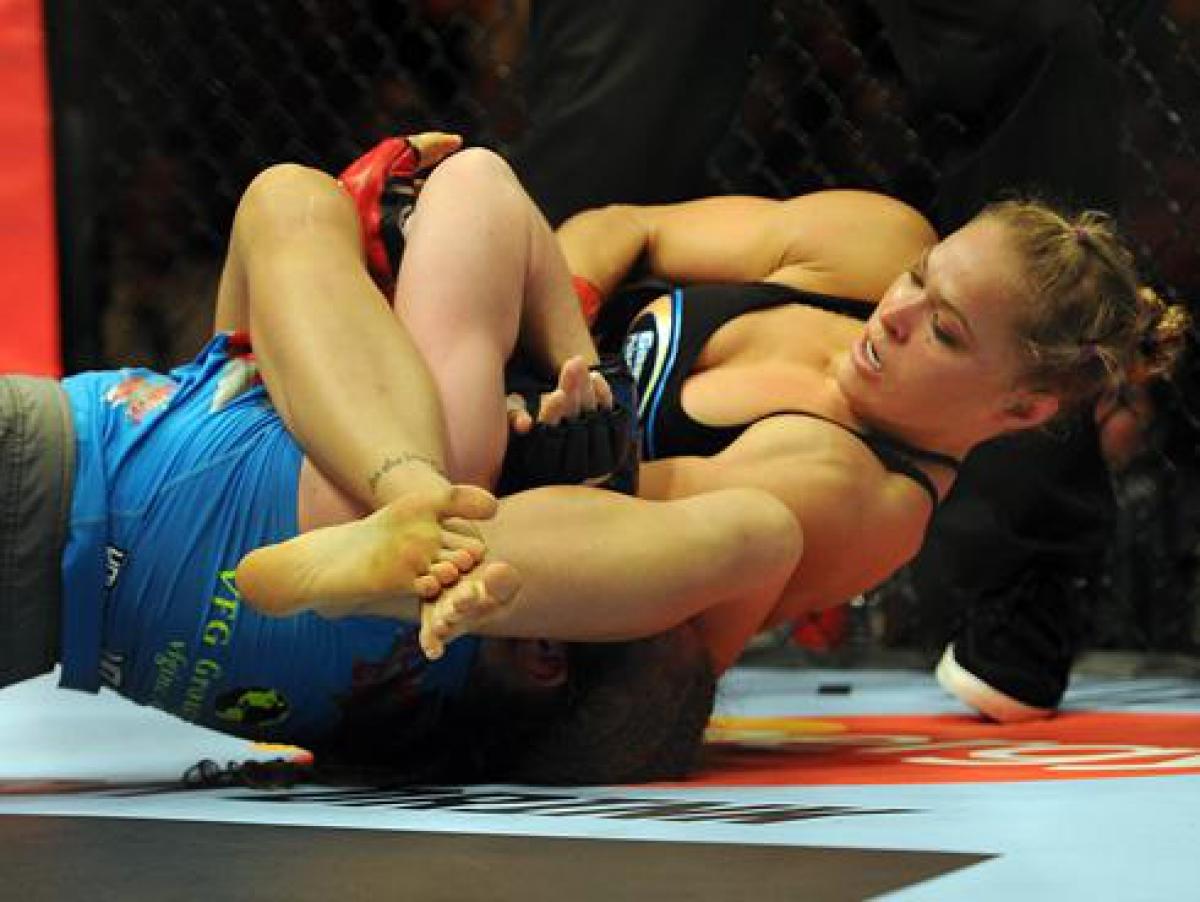 Посмотреть бесплатно feet fight girls 22 фотография