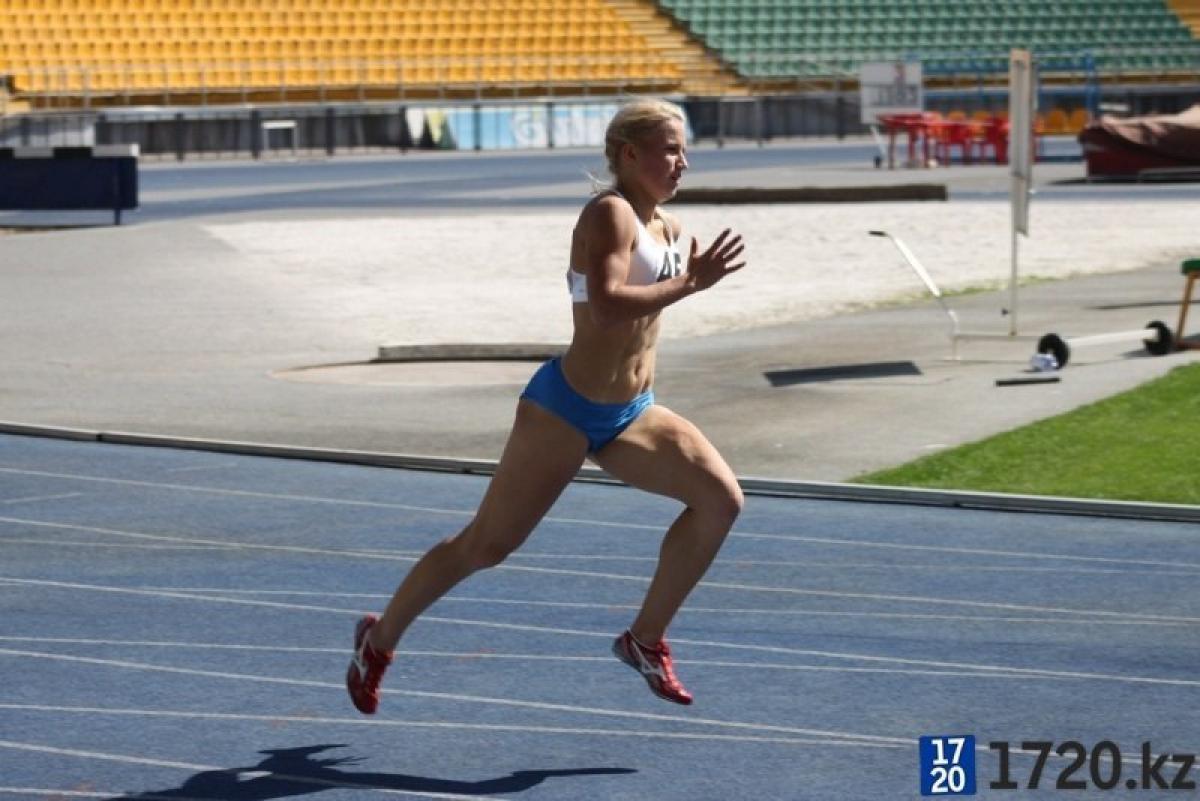 Фото спортивной девушки с ее тренером 3 фотография