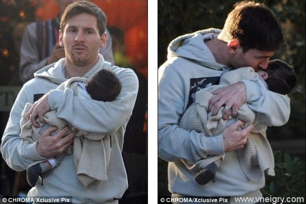 Картинки по запросу месси с новорожденным сыном