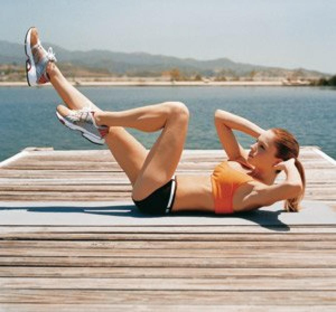 Как подтянуть тело к лету в домашних условиях
