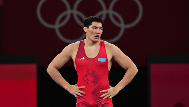 Судью отстранили. У казахстанского борца украли победу на Олимпиаде-2020