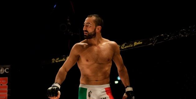 Боец  UFC спас младенца