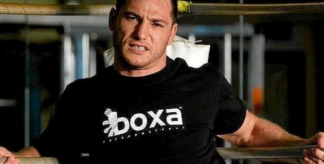 Экс-чемпиона мира по кикбоксингу посадили в тюрьму за опасное вождение