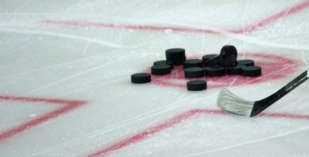 Недовольный игрой хоккеиста прохожий выстрелил в него из травматики