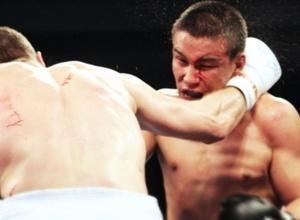 Кларенс Джозеф победил Мираса Баирханова в показательном бою