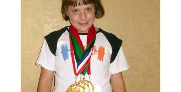 Девятилетняя девочка побила мировой рекорд в пауэрлифтинге