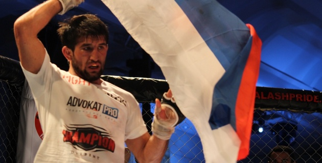 Расул Мирзаев отстоял титул чемпиона мира (+видео)