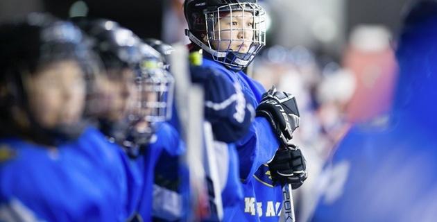 Казахстан потерпел первое поражение на женском ЧМ по хоккею с шайбой (+видео)