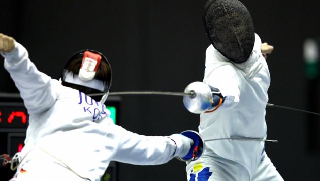 Казахстанские фехтовальщики выступили на молодежном чемпионате мира