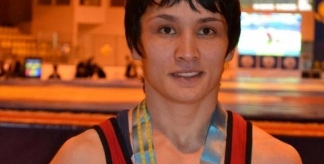Татьяна Аманжол выиграла чемпионат Азии по борьбе
