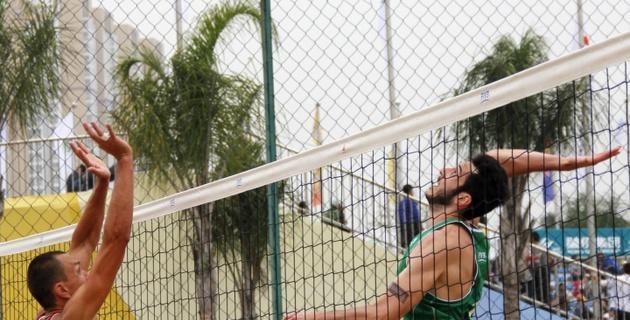 Казахстанская пара вышла в 1/8 финала турнира по пляжному волейболу в Китае