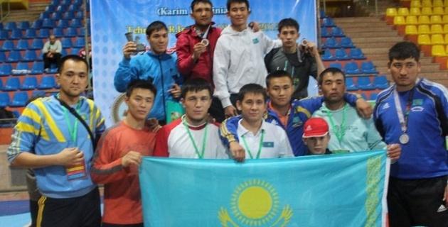 Казахстанские палуаны завоевали медали на международном турнире среди инвалидов по слуху