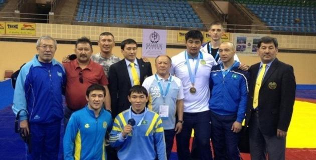 Три казахстанца попали в рейтинг лучших борцов мира