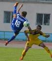 В футбольной премьер-лиге набирает ход борьба за ТОП-6