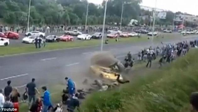 Спорткар въехал в толпу зрителей на автогонках в Польше (+ видео)