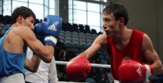 Три казахстанских боксера вышли в полуфинал чемпионата Азии