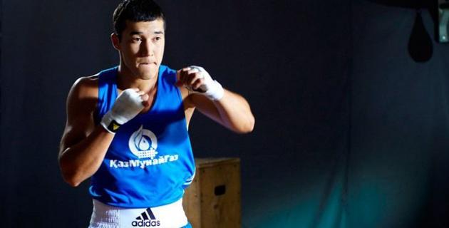 Адильбек Ниязымбетов одолел боксера Astana Arlans в полуфинале чемпионата Азии