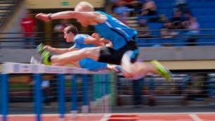 Казахстанец вышел в полуфинал Универсиады в беге с барьерами на 400 метров