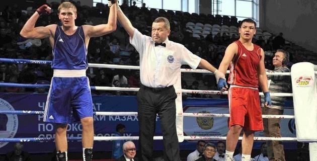 Казахстанец Антон Пинчук стал шестым за день чемпионом Азии по боксу