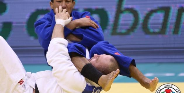 Дзюдоист Азамат Муканов стал серебряным призером чемпионата мира в Бразилии