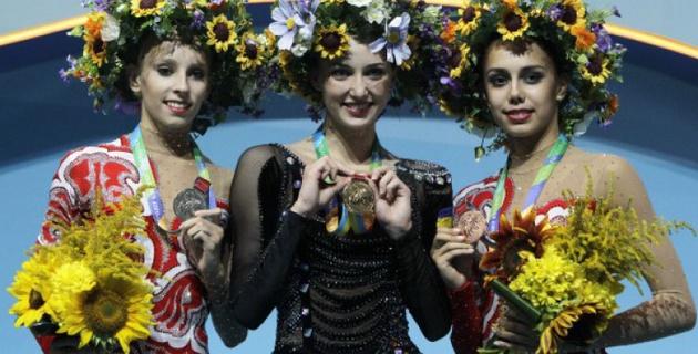 Украинскую гимнастку поздравили с победой на ЧМ под гимн России