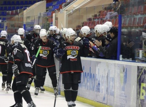 В матче чемпионата Казахстана забросили 14 шайб