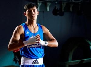 Казахстанец Биржан Жакыпов победил Галанова на ЧМ по боксу