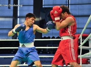 Берик Абдрахманов вышел в четвертьфинал чемпионата мира по боксу