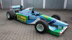 Первый чемпионский болид Шумахера ушел с молотка за миллион долларов