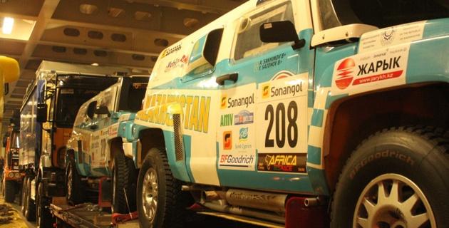 Казахстанский экипаж завершил первый этап Africa Eco Race шестым