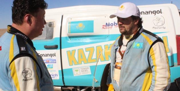 Оба казахстанских экипажа вошли в шестерку лучших на пятом этапе Africa Eco Race