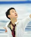 Как единственный медалист Казахстана проводит время в Сочи
