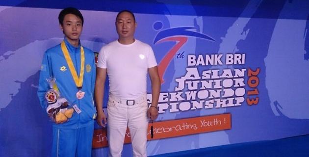 Казахстанский таэквондист стал серебряным призером чемпионата мира