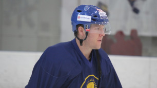 Сборная Казахстана по хоккею провела финальную открытую тренировку в Астане