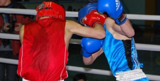 Казахстанец Султан Заурбек стал серебряным призером молодежного ЧМ по боксу