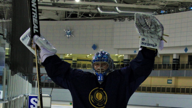 Сборная Казахстана по хоккею провела в Минске первую тренировку
