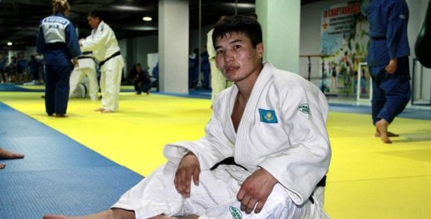 Дзюдоисты Жумаканов и Смагулов стали пятыми на турнире в Баку