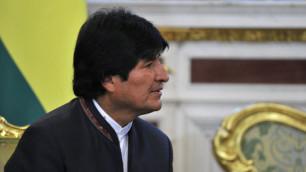 Президент Боливии подписал контракт с футбольным клубом