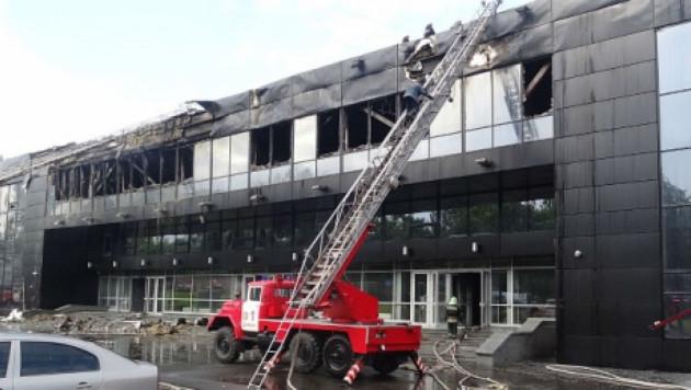 """Домашнюю арену ХК """"Донбасс"""" ограбили и подожгли"""
