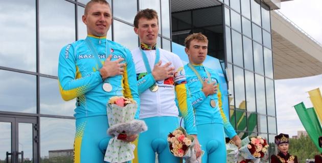 Казахстанцы заняли весь пьедестал юниорской гонки на чемпионате Азии по велоспорту