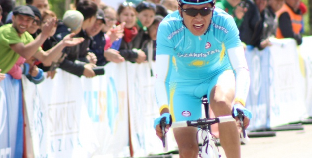 Казахстанские велогонщики выиграли гонку андеров на чемпионате Азии