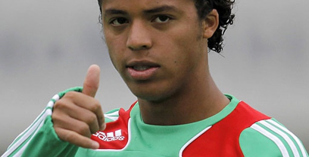 Джовани дос Сантос признан лучшим игроком матча Мексика - Камерун