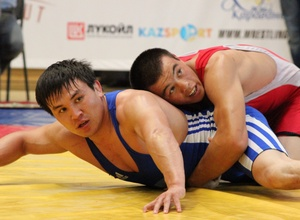 В Караганде проходит чемпионат Казахстана по греко-римской борьбе