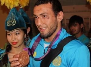 Призер лондонской Олимпиады устроил скандал после поражения на ЧРК по борьбе в Караганде